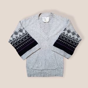 Old Navy lambswool cottagecore sweater medium gray